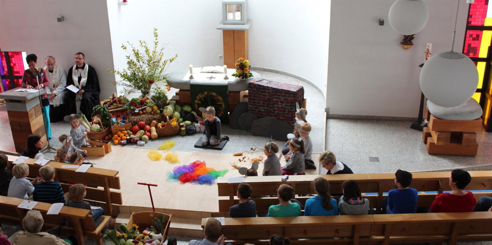 Kirche-am-KammerbergKiGa_1_2.jpg